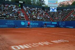 Marco Cecchinato (n. 1 del torneo) centra i quarti facendo suo il derby con Nardi