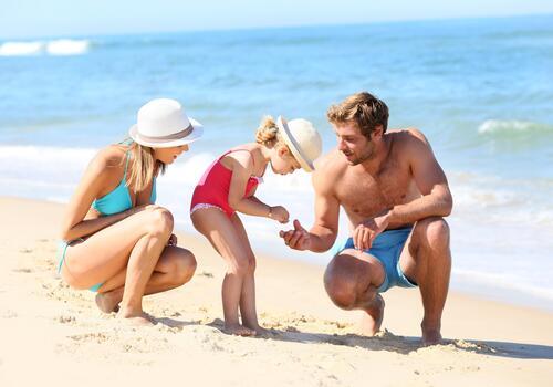 Vacanze in famiglia a Rimini in hotel 4 stelle con piscina