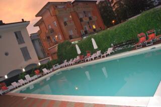 Offerta Notte Rosa Rimini Hotel con Piscina