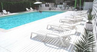 Settembre al Mare: Offerta Hotel Camera e Colazione con Piscina & Parcheggio