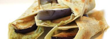 Involtini di piadina con paté di zucchine saporite
