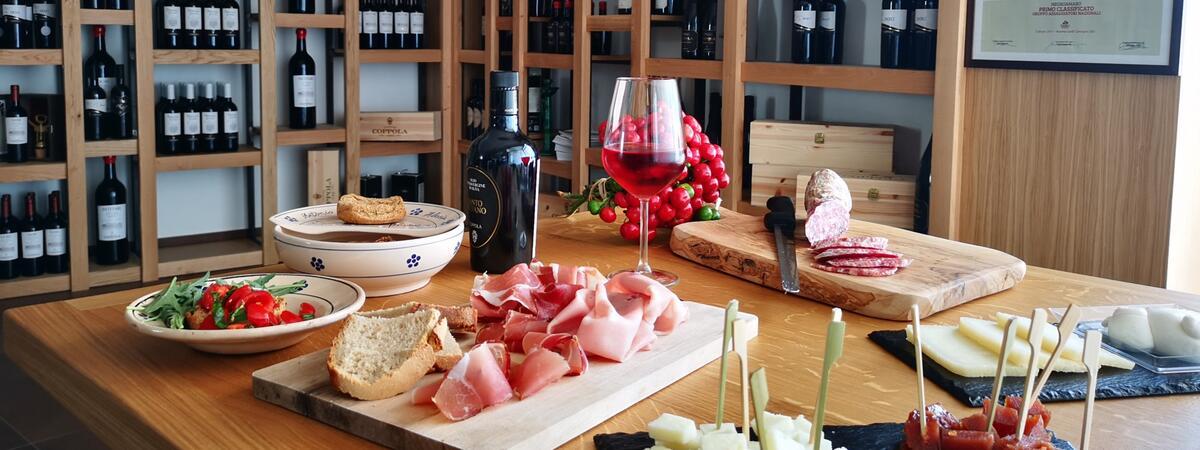 cantinacoppola it wine-tasting-tour-3-etichette-e-aperitivo-(solo-gruppi-just-for-group-of-minimum-8) 011