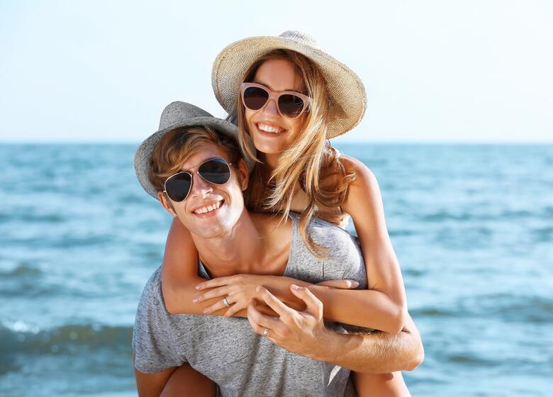 Offerta Weekend Rimini in hotel fronte mare con piscina riscaldata e idromassaggio
