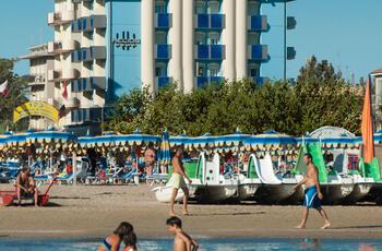 Angebot Ende Juli und Anfang August All Inclusive Rimini 4-Sterne-Hotel mit Meerblick und Pool