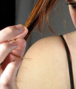 La cura per i capelli rovinati è soprattutto nelle nostre mani