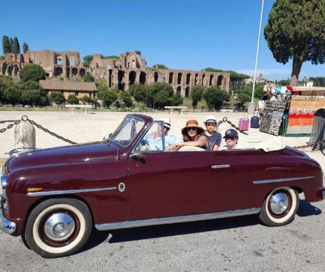 Grand Tour of Rome in our vintage car!