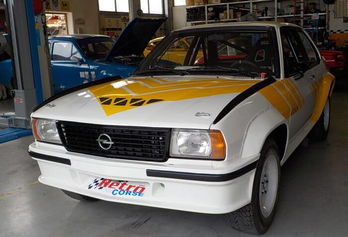 Restauro Opel Ascona 400