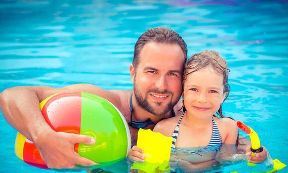 Offerta Luglio Hotel 3 stelle Milano Marittima con piscina
