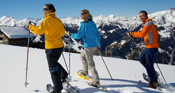 Passeggiate guidate con racchette da neve