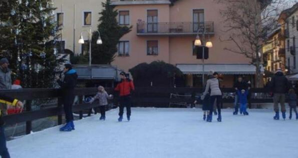 Pista di pattinaggio a Saint Vincent