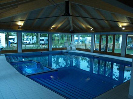 La piscina coperta è disponibile !
