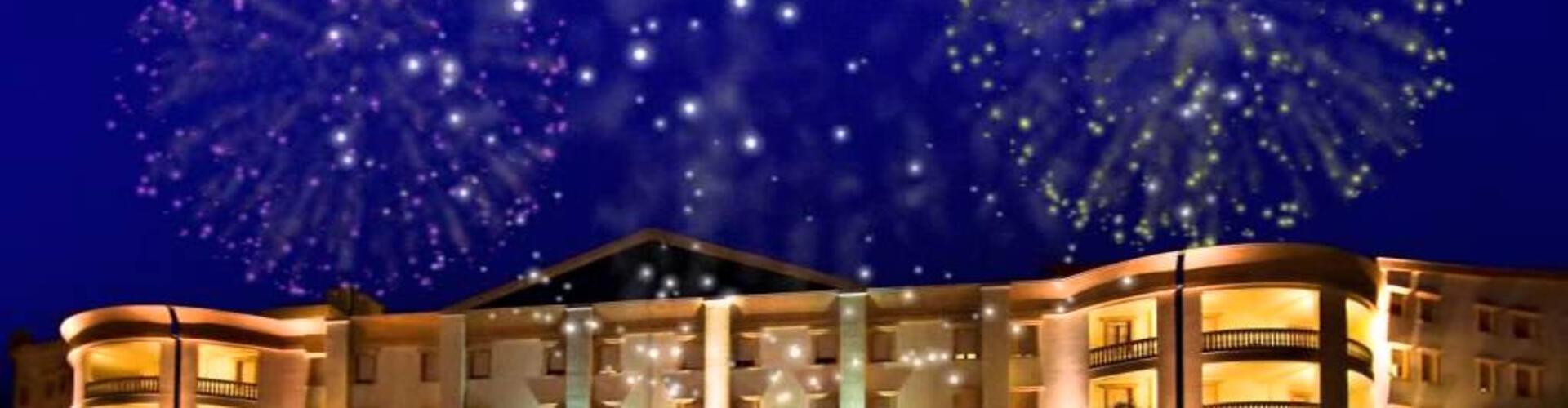 Silvester im Hotel mit großer Feier, Gala-Mittagessen und Live-Musik in San Giovanni Rotondo