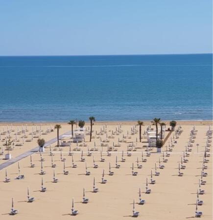 Incredibile offerta hotel fronte mare a Giugno