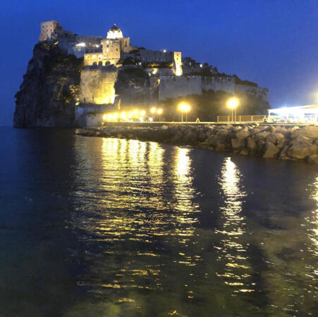 Cinque Notti in hotel 4 Stelle ad Ischia Porto