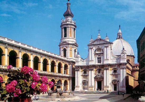 Loreto visita alla Santa Casa di Maria