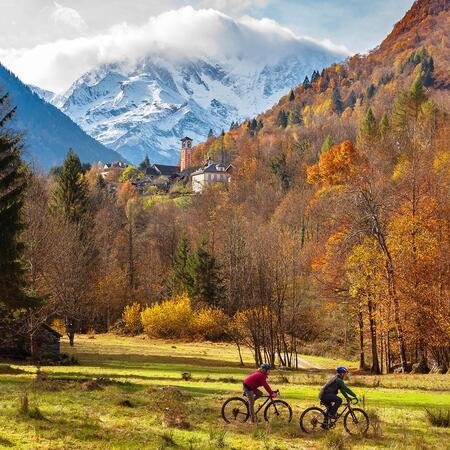Herbst in den Bergen in Macugnaga Monte Rosa