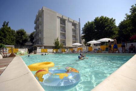 Offerta Luglio All inclusive al Mare, Family Hotel a Rimini