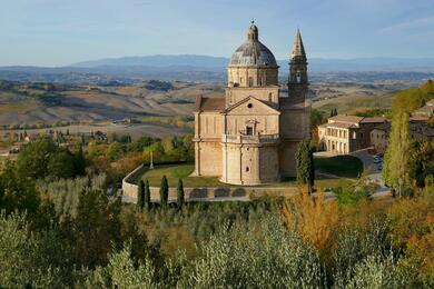 sanmarinoviaggivacanze en tuscany-between-typical-viallages-vineyards-and-olives-487 005