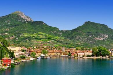 sanmarinoviaggivacanze en a-journey-on-the-water.-lake-garda-verona-venice-and-venetian-villas-528 004