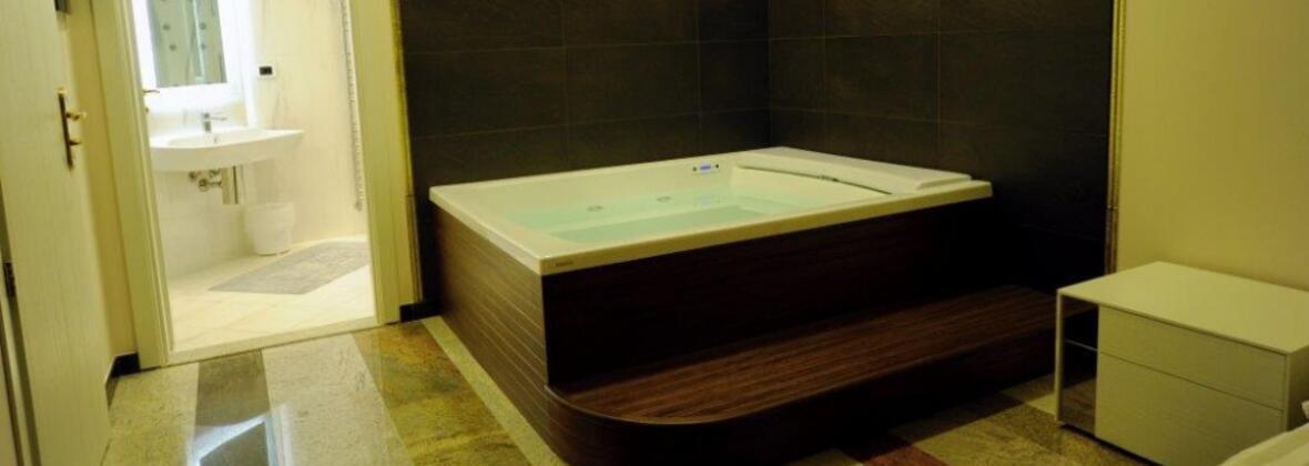 Residence con suite Misano: appartamenti con vasca ...