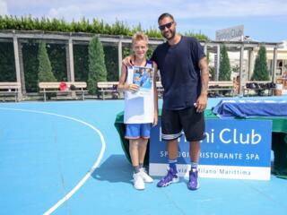 AraCamp il primo camp di basket con Pietro Aradori al Fantini Club 010