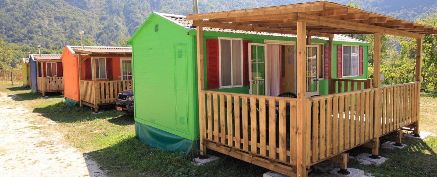 Campeggio con mobile home Lago di Arsiè: accoglienti case ...