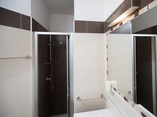 Bagno Villa Regina tutti con doccia