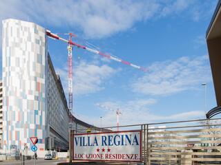 La Cancellata del Villa Regina e l'Ospedale san Gerardo: solo pochi metri da fare per raggiungere il tuo caro ricoverato