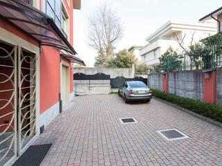 Il Parcheggio al Villa Regina è gratuito secondo disponibilità