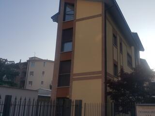 L'ingresso del Teodolinda, il nostro Residence vicino al Policlinico di Via amati, in via Cederna 47