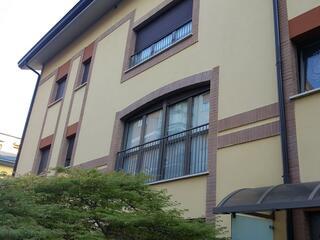 La facciata del Residence Teodolinda in via Cederna 47