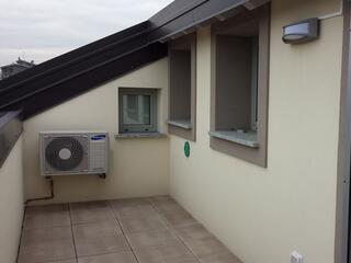 un terrazzo di uno dei nostri appartamenti all'ultimo piano del Residence Luna di Monza