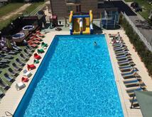 Hotel + mare + parchi+piscina+animazione + acquapark+spiaggia +pensione completa + bevande + park