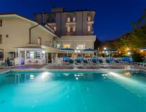Senior All Inclusive Angebot - Hotel *** San Mauro Mare mit Pool und Strand