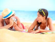 Offerta seconda di agosto hotel tre stelle al mare zona centrale con cene a tema e parcheggio