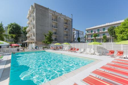 Juli Angebot All Inclusive Sea Promotion, Familienhotel in Rimini