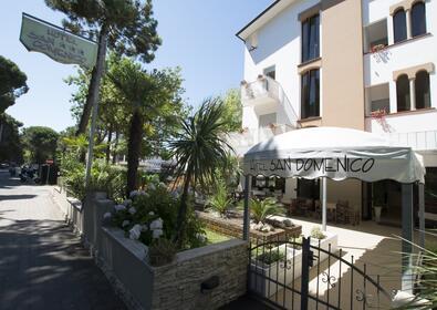 Bagno Mediterraneo Pinarella : Hotel 3 stelle pinarella di cervia san domenico: hotel cervia vicino