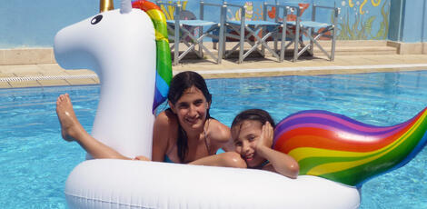hoteladelphi it piscina-hotel-adelphi-riccione 009
