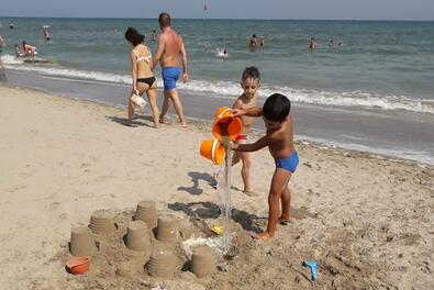 END OF MAY TO THE SEA IN RICCIONE IN A 3 STAR HOTEL WITH CHILDREN FREE