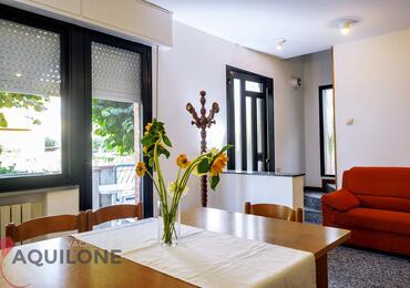 vacanzeinaquilone en apartments-6-9-beds-vacanze-aquilone 002
