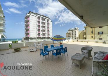 vacanzeinaquilone en apartments-4-6-beds-vacanze-aquilone 016