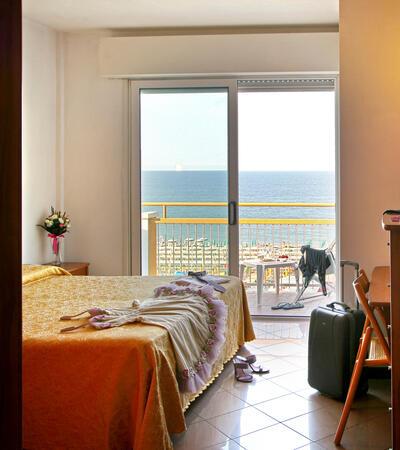 patriziahotel it 1-it-251138-inizio-giugno-a-riccione-in-hotel-con-spiaggia-compresa 053
