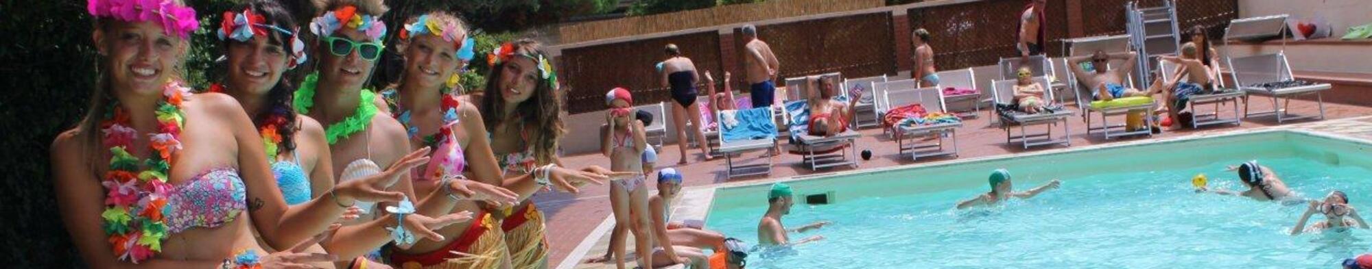 Specjalne 15% zniżki na kemping w Pietra Ligure z basenem w otoczeniu przyrody