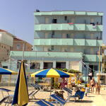 Kinder frei zum Meer. Budget-Hotel direkt am Meer für Ihren Urlaub in Rimini.