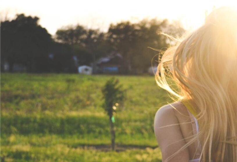6 consigli per proteggere i capelli dal sole