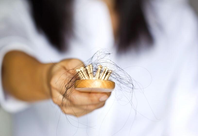 5 trattamenti efficaci per capelli che si spezzano