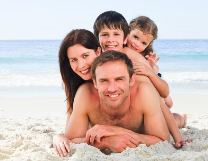 AUGUST ON HOLIDAY IN MISANO ADRIATICO SPECIAL FAMILY PLAN 4X3