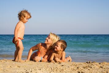 Juni Angebot Cesenatico im Hotel in der Nähe des Meeres mit Schwimmbad, Unterhaltung und KOSTENLOSEN KINDERN