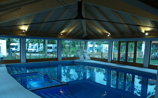piscina cubierta está disponible!