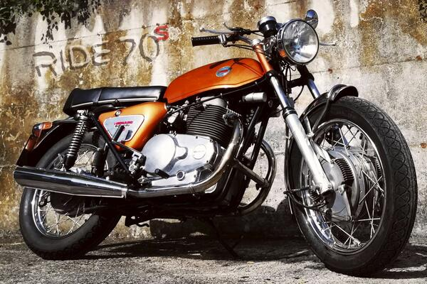 ride70s it 1975-kawasaki-z1-900 004